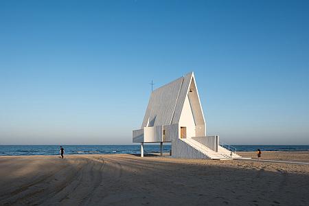 Concrete chapel built on beach