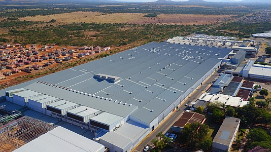 Nissan plant operational during skilful reroofing PRO ROOF STEEL MERCHANTS