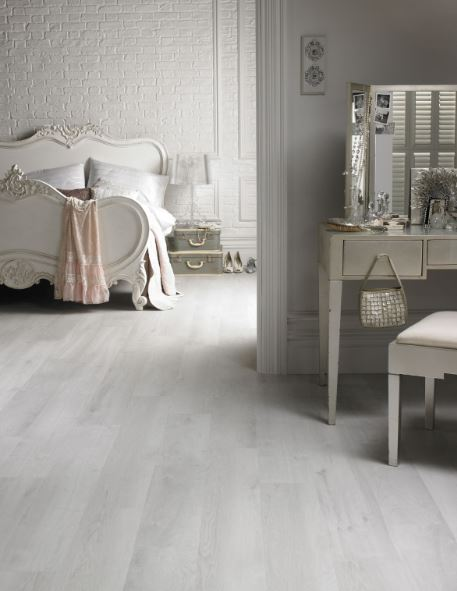 Traviata new vinyl range Jnl 6 16